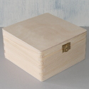 Pine box with clasp medium