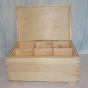 Box with feet & 6 compartment lift out tray