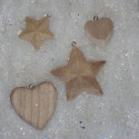 Pack of 2 wooden heart & 2 star in 2 sizes, as shown with metal eye  to hang